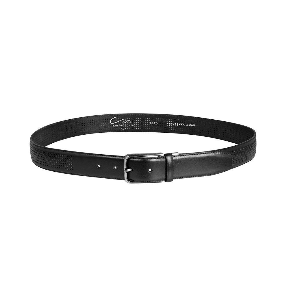 Cinturón negro en cuero calado y hebilla en níquel.
