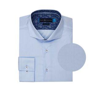 Camisa azul clara en 100% algodón de origen Español resistente a las arrugas.