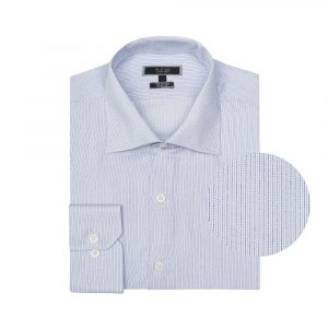 Camisa azul con delicadas rayas, en algodón extrafino 100% Italiano de Canclini. Silueta regular, cuello semi abierto con button under.
