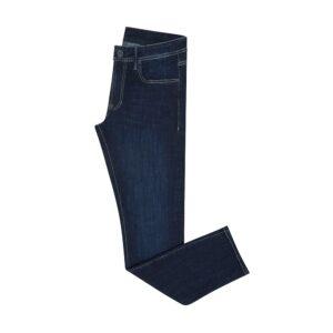 Jean azul oscuro en algodón con elastano, costuras y ojal en contraste, silueta slim fit y alta confortabilidad.